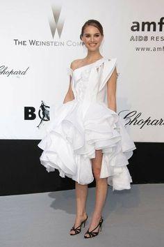 Natalie Portman Style, Nathalie Portman, Tea Length Dresses, Vegan Fashion, Festival Dress, Red Carpet Looks, Red Carpet Dresses, Cannes Film Festival, Red Carpet Fashion