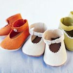 Knit, crochet and sewn baby booties - 35 patterns