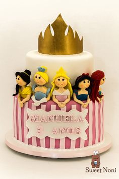 Manuela is turning 3 and she absolutely love princesses, Loved to make this cake