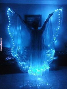 Belly Dance Led Light Isis Wings, Belly Dance Costumes, Led Wings Duck Blue in Melbourne,Australia. Costume Ange, Festival Stil, Skinny Jeans Kombinieren, Fantasy Costumes, Tribal Fusion, Belly Dance Costumes, Belly Dancers, Costume Design, Fancy Dress