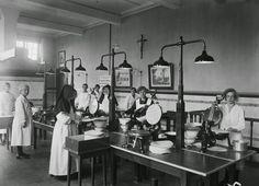 Hostiebakkerij Sint-Michielsgestel Sinds 1844 één van de grootste hostiebakkerijen.