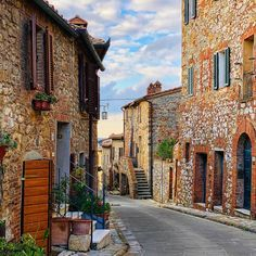 Beautiful villages in Italy to visit. Explore these small Italian towns off the beaten path from the Amalfi Coast to Cinque Terre . these beautiful destinations belong on your Italy itinerary Italy Vacation, Italy Travel, Siena, Tickets To Italy, Italian Village, Travel Tours, Travel Ideas, Travel Inspiration, Historical Monuments