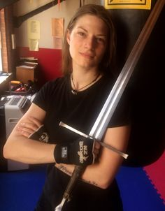 Welcome to spirit of the Sea, an interview series with experts and enthusiasts who share a passion for early modern European history. This month, we interviewed sword-fighter, performer, illust… European History, Women In History, Hema Martial Arts, Second Wave Feminism, Elves Fantasy, Amy Brown, Sword Fight, Shield Maiden, Female Fighter