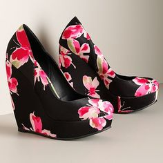 black & pink butterfly wedges