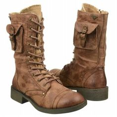 Roxy boot in size 7 at Famous Footwear