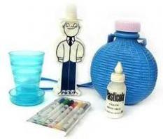 Cantimplora, vasito plegable, marcadores, Plasticola