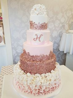 15th Birthday Cakes, Sweet 16 Birthday Cake, Beautiful Birthday Cakes, Birthday Cake Girls, Beautiful Wedding Cakes, Beautiful Cakes, Pretty Cakes, Sweet 16 Decorations, Quince Decorations