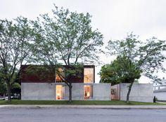 B+W House / Julie Snow Architects