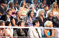 Rick Allen, Phil Collen, Vivian Campbell, Rick Savage and Joe Elliott at the 2009 CMT Music Awards - Backstage And Audience Rock And Roll Bands, Rock Bands, Vivian Campbell, Phil Collen, Rick Savage, Cmt Music Awards, Vince Neil, Joe Elliott, Tommy Lee