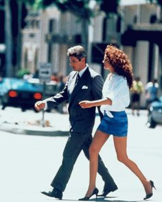 Richard Gere and Julia Roberts in Pretty Woman, 1990 Richard Gere, Julia Roberts, Iconic Movies, Old Movies, Pretty Woman Movie, Pretty Woman Costume, Pretty Woman Quotes, Robert Movie, Wool And The Gang
