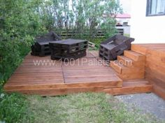 Cool terrace entirely made of pallets | 1001 Pallets