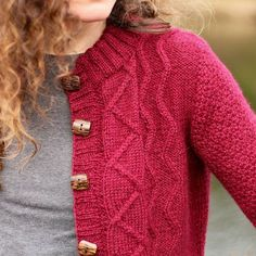 Quirinalis is the latest single pattern release from The Dovestone Hills collection. It has beautiful geometric cables combined with a dot stitch pattern to make this as fun much fun to wear as it is to knit. Find out more on Ravelry.com . . . #stolenstitches #DovestoneHills #sweater #knittersofinstagram #knittersoftheworld #knitaddict #knitstagram #instaknit #knitsharelove #knitspiration #knitting_inspiration #knittingaddict #knittersofig #knitdesign #knitwear #knitting #igknitters…