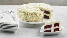 Se her, hvordan du laver den perfekte  fødselsdagskage, hvor Dannebrog kommer frem,  når du skærer et stykke.