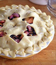 Cruelty Free Hedgehogs : Letní Koláč s Broskvemi a Borůvkami Vegan Desserts, Vegan Recipes, Summer Pie, Joy The Baker, Cruelty Free, Blueberry, Peach, Vegetarian, Hedgehogs