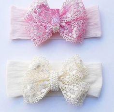 Resultado de imagem para tiaras de luxo com manta de strass Headbands, Bows, Instagram Posts, Fashion, Infant Hair Bows, Hair Decorations, Ribbon Bows, Ribbon Hair Ties, Blankets