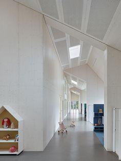 Guardería y centro de familia diseñado por VON M
