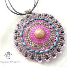 #kaligopika #beadwork #beadedjewelry #pendant #pendentif
