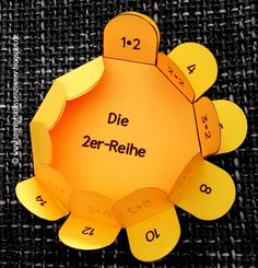 Einmaleinsblumen zum Üben 1x1 Montessori Materials, Montessori Activities, Activities For Kids, Crafts For Kids, Creative Teaching, Teaching Math, Maths, Primary School, Elementary Schools