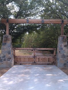 Custom Entry with New Driveway Approach by Graves Lawn and Landscape - like the timber work on this entrance Farm Gate, Fence Gate, Fences, Gates For Driveways, Farm Fencing, Tor Design, Gate Design, House Design, Front Design