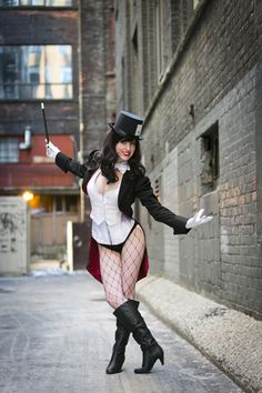Zatanna Cosplay http://geekxgirls.com/article.php?ID=3436