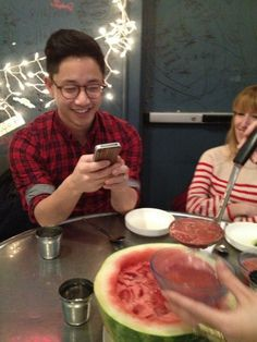 28 Hipsters That Are Addicted To Food Photography