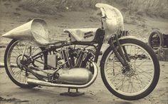 Old Indian Scout Motorcycle in the 1953 Beach attempts - mph - Burt Munro Burt Munro, Vintage Motorcycles, Indian Motorcycles, Custom Motorcycles, Indian Scout, Drag Cars, Vintage Bikes, Vintage Racing, My Ride