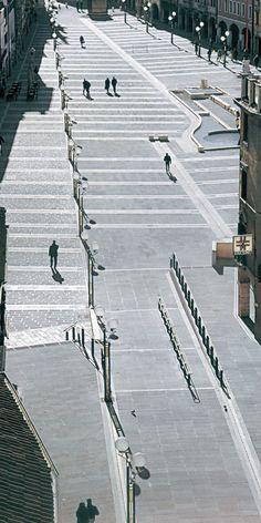 Piazza Ferretto, Venezia Mestre - Italy Square floor - trachyted http://www.trachiteeuganea.com