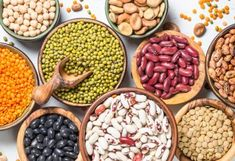 There's often a lot of confusion about which foods fall into the category of legumes. Here are the top 10 best legumes to eat and their benefits. Black Beans Benefits, Lentils Benefits, Beans Nutrition, Low Carb Recipes, Healthy Recipes, Healthy Foods, Alfalfa Sprouts, Lower Cholesterol, Bulgur