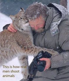 This is how real men shoot animals!...Yes! Why can't this happen to me!?! :(