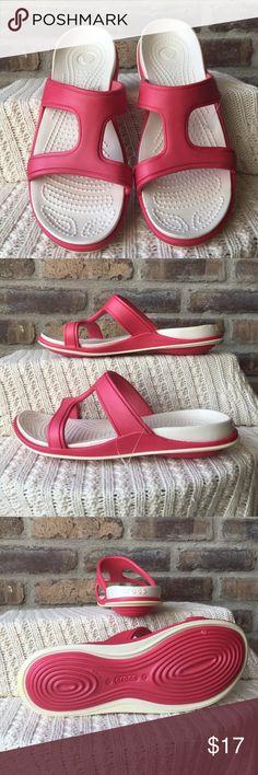 Crocs Women's size 8 Crocs. CROCS Shoes Sandals