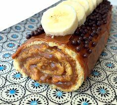 Pionono de banana @dolearg con exceso de dulce de leche!!! Bati en batidora 6 huevos con 60grs de azúcar hasta llegar a punto letra, mientras está batiendo agrégale una cdita de miel. Después agrégale 60grs de harina 0000 con movimientos envolventes y al final agrégale despacio también dos bananas @dolearg previamente pisadas. Mándalo a un … Oreos, Praline Cake, Pastry And Bakery, Relleno, Nutella, French Toast, Breakfast, Food, Ely