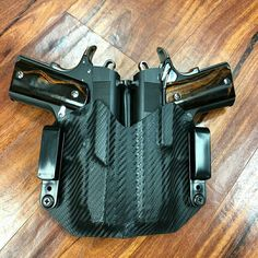 """Regrann from - Got to make a really cool """"face off"""" holster for two identical pistols. Everyone at work got a kick out of it Weapons Guns, Guns And Ammo, Custom Holsters, Pistol Holster, Gun Storage, Custom Guns, Military Guns, Cool Guns, Tactical Gear"""