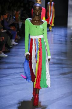 Prabal Gurung Spring 2019 Ready-to-Wear Collection - Vogue Ny Fashion Week, New York Fashion, 2010s Fashion, Spring Fashion Trends, Fashion 2020, Fashion Brands, Women's Fashion, Couture Mode, Style Couture