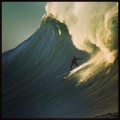 Surfing 40-foot Waves at the Maverick's | Social Media Today
