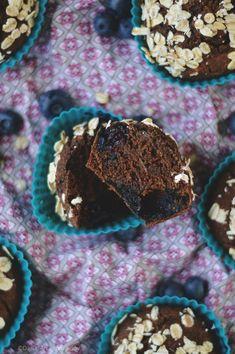 Babeczki z borówkami (bezglutenowe, wegańskie) / Blueberry muffins (gf, vg) Cookies, Chocolate, Breakfast, Desserts, Food, Crack Crackers, Morning Coffee, Tailgate Desserts, Deserts