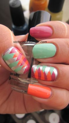 Pretty spring/summer nails...although I have no idea how to do it!