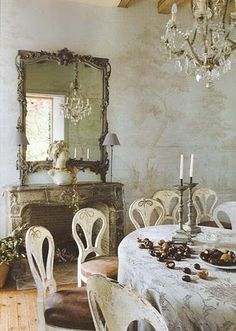 Love the walls, mirror - French Molding Interior Designs | french interiors