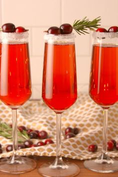 Cranberry Mimosas (Swerve for sugar)