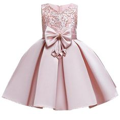 1 million+ Stunning Free Images to Use Anywhere Baby Girl Party Dresses, Toddler Girl Dresses, Little Girl Dresses, Baby Dress, Flower Girl Dresses, Pageant Dresses For Toddlers, African Dresses For Kids, Gowns For Girls, Girls Dresses