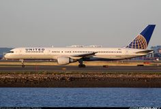 Domestic Airlines, United Airlines, Aircraft Pictures, Planes, Aviation, The Unit, Nice, Airplanes, Nice France
