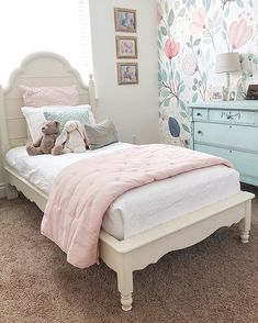 design ideas that will certainly make your bedroom instantaneously better. Cover your wall in appealing pictures as well as fairy lights. Include a pop of colour with a printed tapestry. Obtain innovative with cute bedroom ideas. Pink Bedroom For Girls, Big Girl Bedrooms, Pink Bedrooms, Little Girl Rooms, Girls Bedroom Wallpaper, Kids Bedroom Ideas For Girls Toddler, Girl Toddler Bedroom, Modern Girls Rooms, Vintage Girls Rooms
