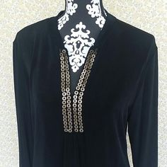 Chico's Travelers Tunic Top Chico's Black Size 2 Tunic Top  Open To Offers And Bundles Chico's Tops Tunics