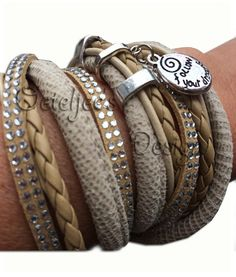 "Wikkel armband 4 tinten beige met strass en tekst ""follow your dreams"""