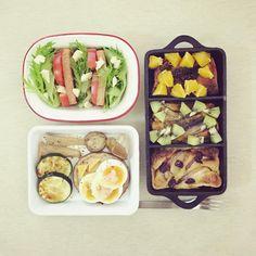 morning morning friday :-D))) #morning #breakfast #yummy #goodfood #instafood #onthetable  #homemade #foodie #foodstagram #foodphoto #kiwibanana_orangefig_peach_dutchbaby #dutchbaby #tomato_cheese_lunchmeat_lettuce_salad #roast_cheese_egg_mushroom #朝食 #早餐