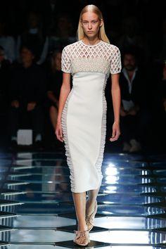Balenciaga Spring 2015 Ready-to-Wear - Collection - Gallery - Look 1 - Style.com