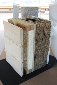 Cubierta de zinc envejecido | TECTÓNICAblog House Cladding, Timber Cladding, Facade House, Building A Wooden House, Green Building, Tiny House Cabin, Tiny House Design, Steel Framing, Timber Garage