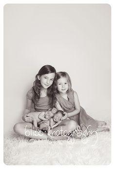 bliss photography newborn siblings
