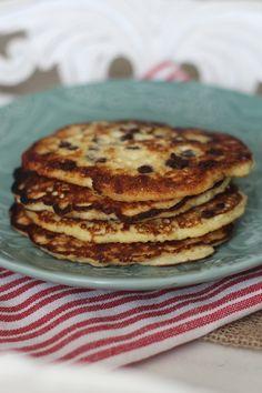 #paleo PaleOMG 3 Ingredient Simple Protein Pancakes