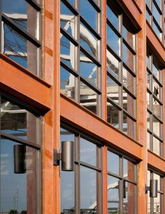 Image 12 of 17 from gallery of The Bridge Building / Hastings Architecture Associates. Photograph by Jim Roof Creative Architecture Details, Modern Architecture, Nashville, Brick, Wedding Venues, Multi Story Building, Facades, Multifunctional, Gallery