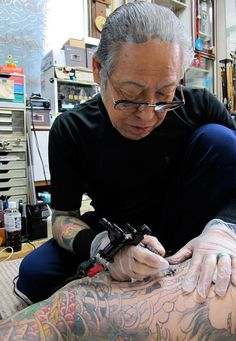 A master is born (Credit: Credit: Rooksana Hossenally) The Master of Japan's Ancient Tattoo Tradition. Tattoo Mafia, Yakuza Tattoo, Tomboy Tattoo, Ancient Tattoo, Tattoo Master, Traditional Japanese Tattoos, Japanese Tattoo Art, Different Tattoos, Irezumi